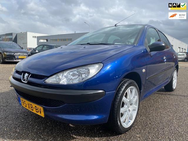 Peugeot 206 occasion - LVG Handelsonderneming