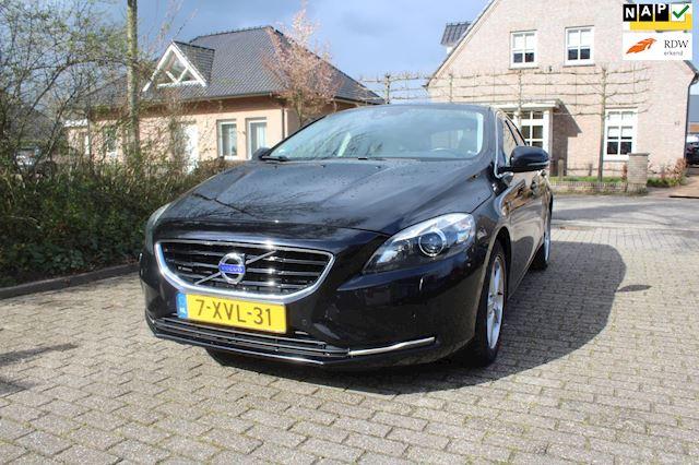 Volvo V40 btw auto !!! 190 PK PANORAMA DAK CREME LEER NAVI 2.0 D4 Ocean Race Business
