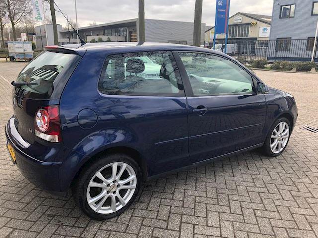 Volkswagen Polo 1.4-16V Comfortline Airco Nieuwe Distributie Nap apk 03-2022