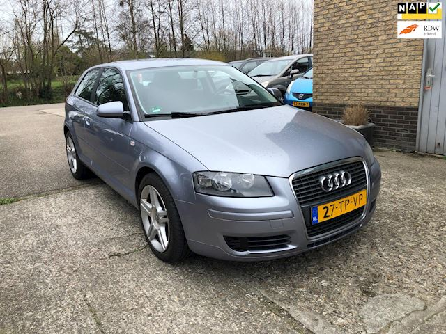 Audi A3 1.9 TDI Attraction  uit 2007, clima, 17
