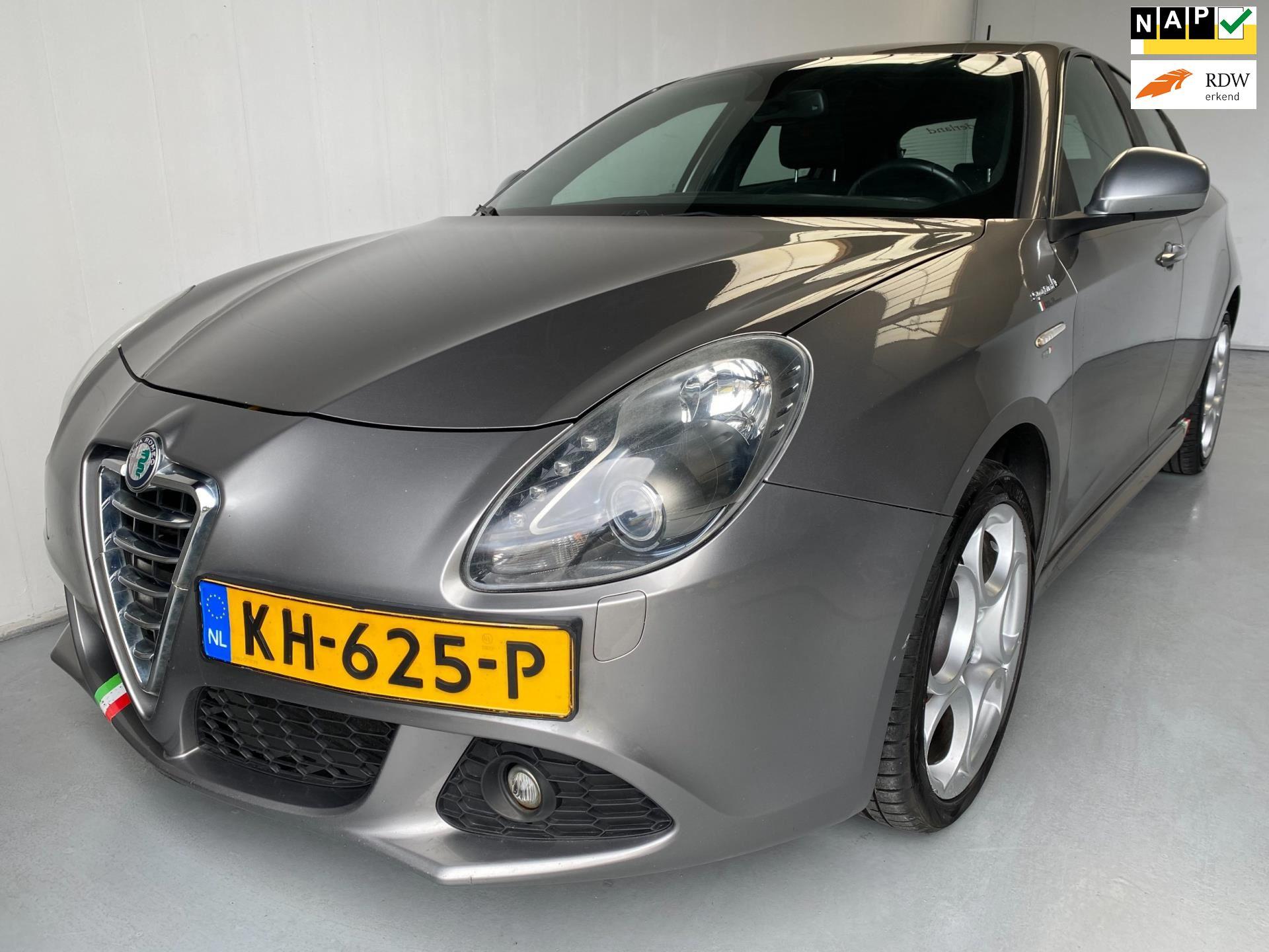 Alfa Romeo Giulietta occasion - Autobedrijf Leeuwis B.V.