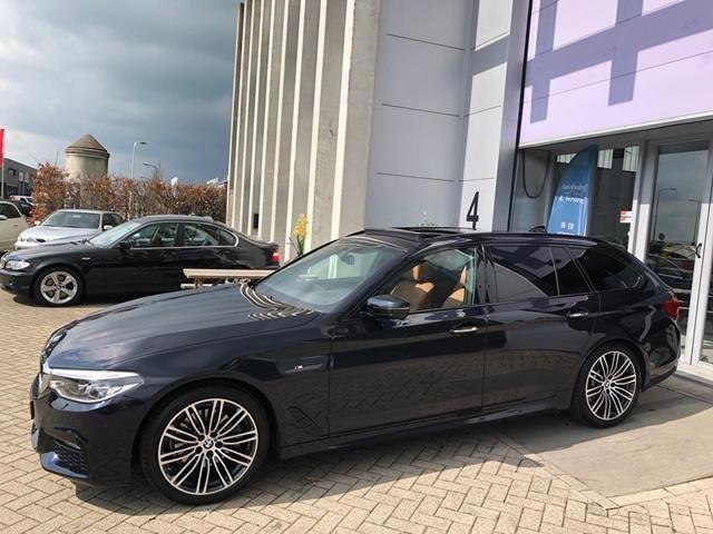 BMW 5-serie Touring occasion - Autobedrijf R. Versteeg
