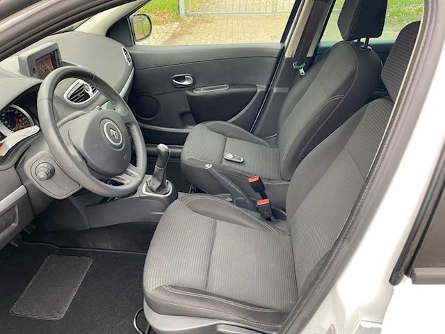 Renault Clio Estate 1.2-16V Authentique Tomtom  93000km