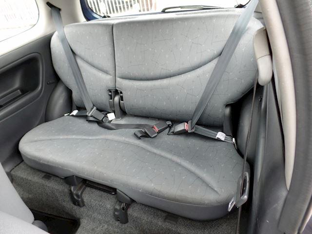 Toyota Yaris 1.0-16V VVT-i Terra