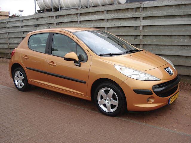 Peugeot 207 1.4-16V XT
