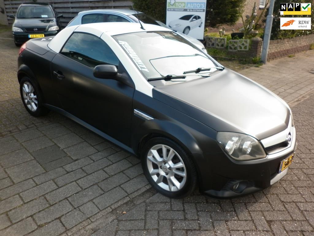 Opel Tigra TwinTop occasion - Autobedrijf in en verkoop auto's Evert van den Top