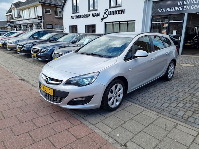 Opel Astra Sports Tourer 1.4 Turbo Business +,Navigatie,L.M.Velgen,Airco,Cruise control,PDC