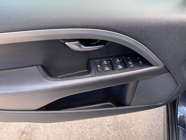 Volvo V70 1.6 T4 Summum