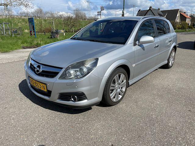 Opel Signum 1.9 CDTi Executive / Automaat / Leer / Airco