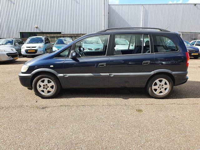 Opel Zafira 1.8-16V Elegance, 7 persoons, airco
