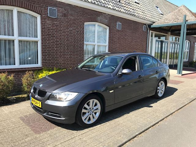 BMW 3-serie 318i Business Line AUTOMAAT !!