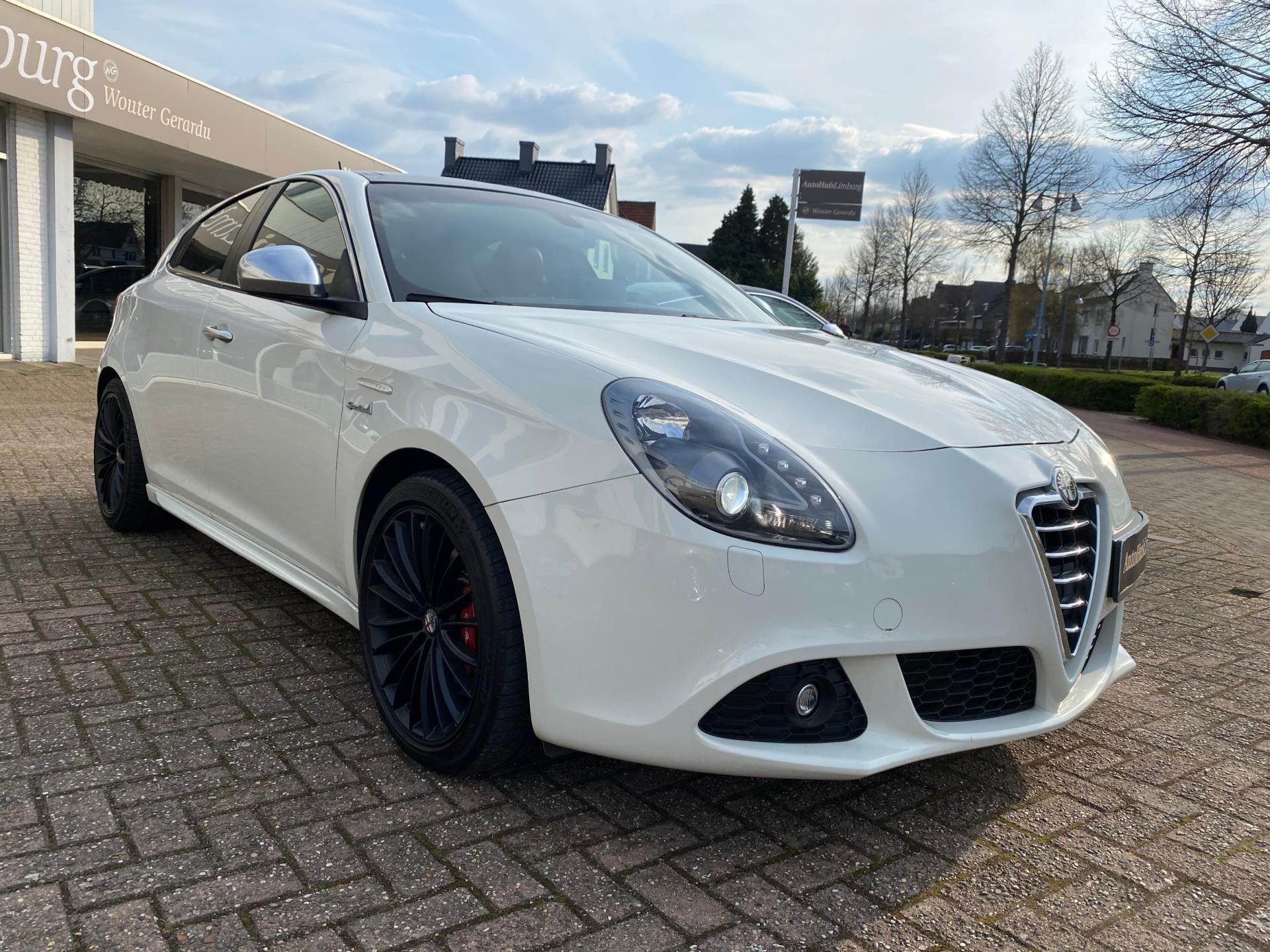 Alfa Romeo Giulietta occasion - AutoHuisLimburg