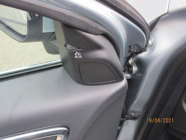 Volvo S60 2.5T Momentum AUTOMAAT NW STAAT