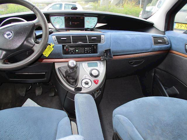 Lancia Phedra 2.0-16V Emblema 6 pers airco elek pak nap apk