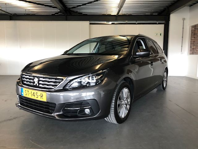 Peugeot 308 SW 1.2 PureTech Premium, apple carplay,navi,clima,trekhaak,leder,panodak