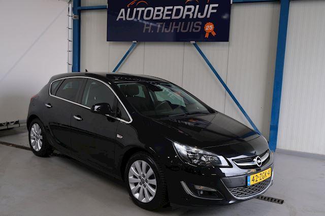 Opel Astra 1.7 CDTi S/S Cosmo - N.A.P. Airco, Cruise, Navi, PDC, Trekhaak.