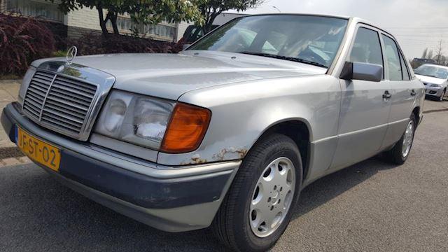 Mercedes-Benz 200-500 (W124) 230 E