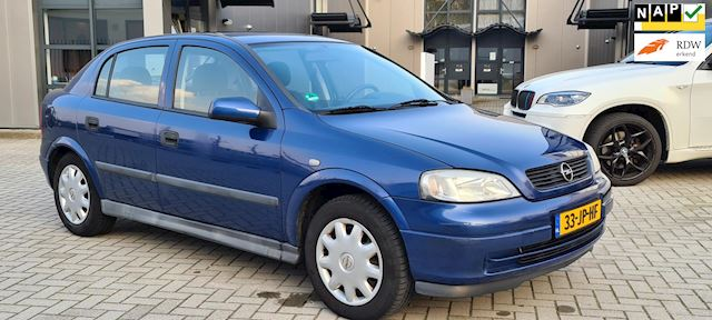 Opel Astra 1.6 Edition 5 Drs