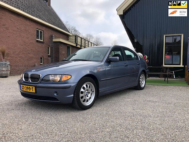 BMW 3-serie 320i Executive (151DKM, als NIEUW)!!