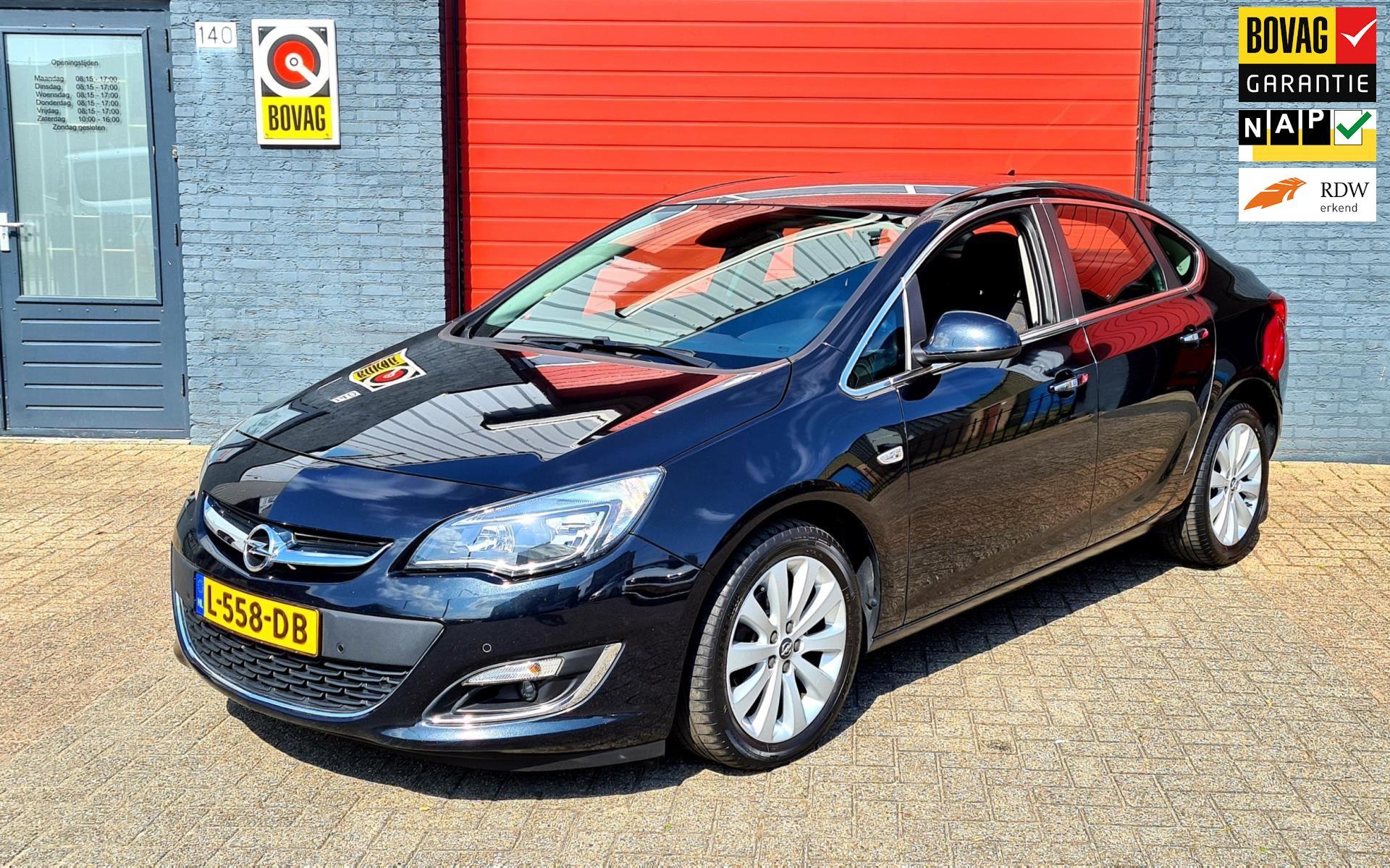 Opel ASTRA 1.6 Innovation Automaat occasion - Automobielbedrijf Vriesde