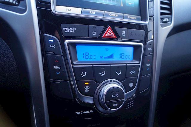 Hyundai I30 1.6 GDI i-Vision   Clima   Camera   PDC   N.A.P