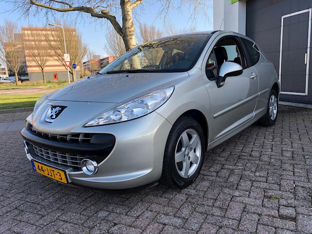 Peugeot 207 1.4 VTi XS Pack Climate/Navi/15