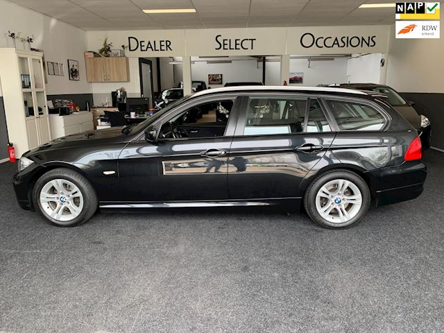 BMW 3-serie Touring 318i Luxury Line / Automaat / Panorama