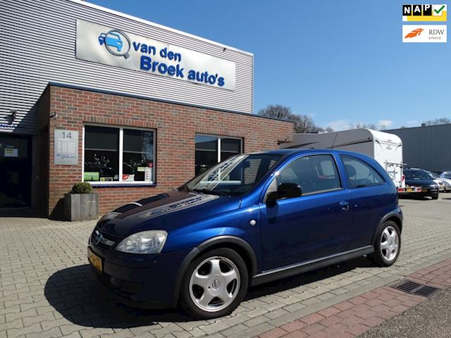 Opel Corsa 1.2-16V Silverline APK NIEUW