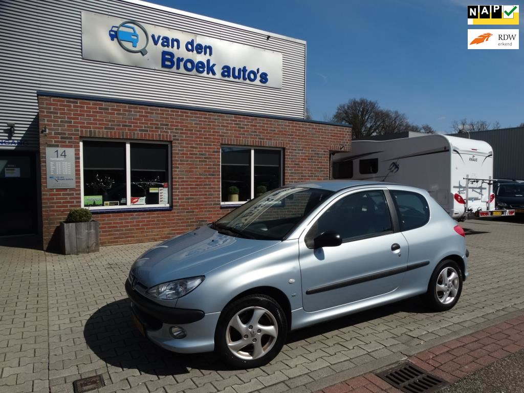 Peugeot 206 occasion - R. van den Broek Auto's