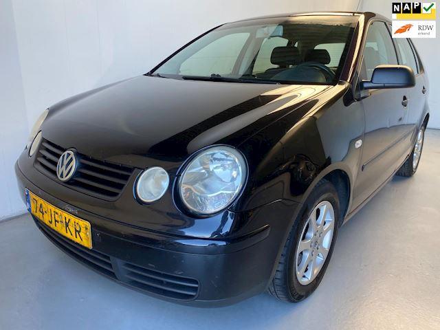 Volkswagen Polo 1.2-12V 5-deurs Radio/CD 15'velgen (ZO MEENEMEN!)