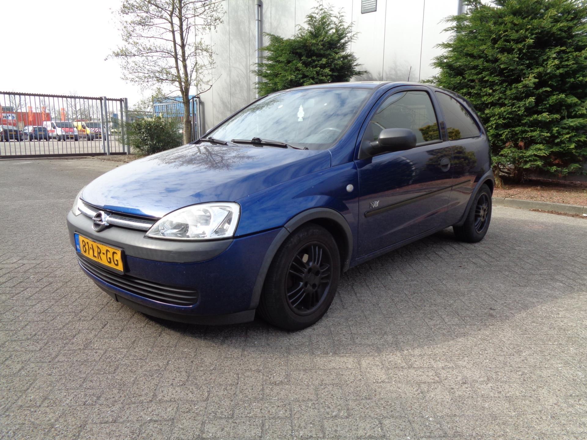 Opel Corsa occasion - autobedrijf LO WOLTERS vof.