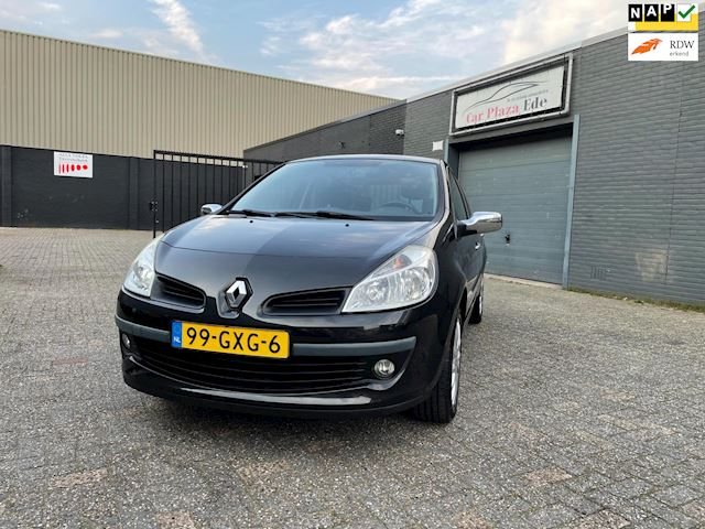 Renault Clio 1.2 TCE Special Rip Curl Airco Cruise LM-Wielen APK NAP.