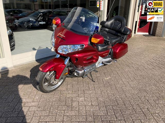 Honda Tour GL 1800 Gold Wing Dual C-ABS Deluxe