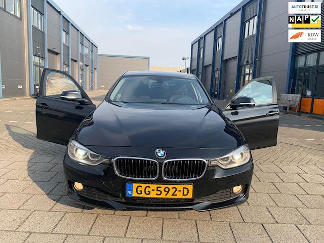 BMW 3-serie 320d High Executive I XENON I NAVI I AUTOMAAT I PDC I CLIMA