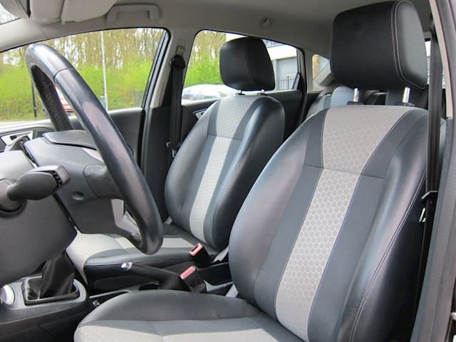 Ford Fiesta 1.6 TDCi ECOnetic Titanium LEDER CLIMA TREKHAAK PDC NAP!!