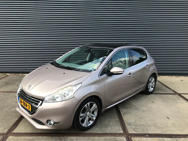Peugeot 208 1.6 VTi Allure PANORAMA/ PDC/ TREKHAAK