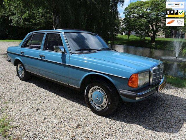 Mercedes-Benz 200-280 (W123) 230 E zeer mooie staat