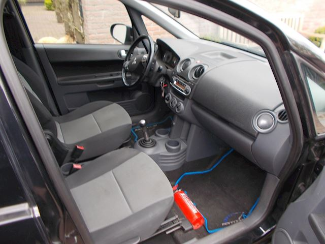 Mitsubishi Colt 1.3 Inform airco apk 19-05-2022 nette auto