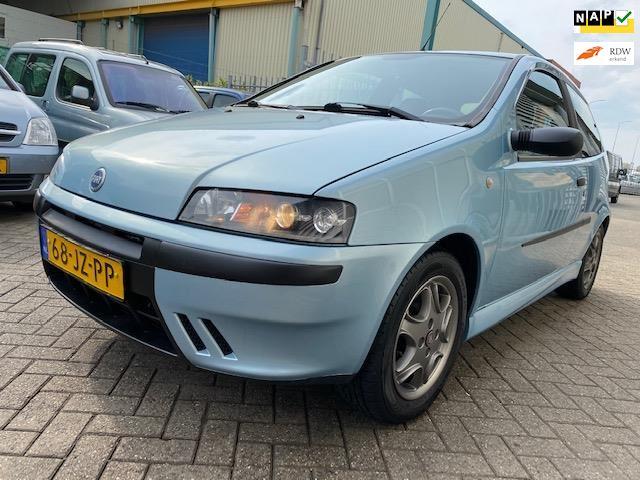 Fiat Punto occasion - LVG Handelsonderneming