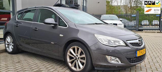 Opel Astra 1.6 Cosmo Leder/Navi