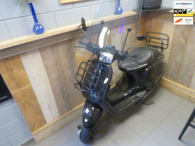 Vespa Snorscooter LX 2T