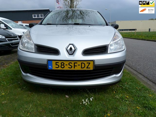 Renault Clio 1.4-16V Expression