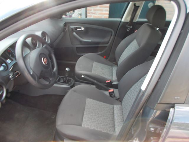 Seat Cordoba 1.4-16V Trendstyle aairco bj 2007 nwe apk