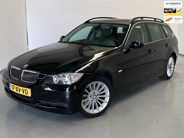 BMW 3-serie Touring 325i Executive / Aut / Leder / Navi / NL Auto