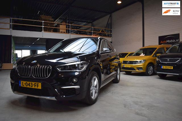 BMW X1 SDrive18i High Executive automaat pano leder
