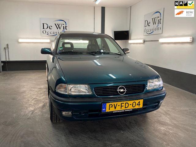 Opel Astra 1.6i Season AUTOMAAT 5 DRS. met 140000 km. incl. NWE APK.