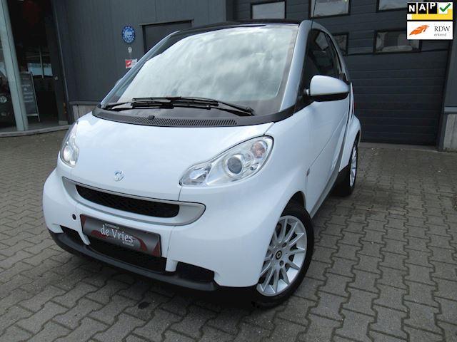 Smart Fortwo coupé 1.0 Passion / Airco / Lmv / Panodak / Stoelverw. / Navi / DAB