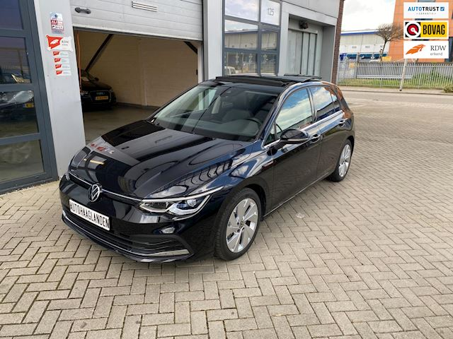 Volkswagen Golf 8 1.5 eTSI DSG PANO-IQ LIGHTS-ST MASSAGE-ACC