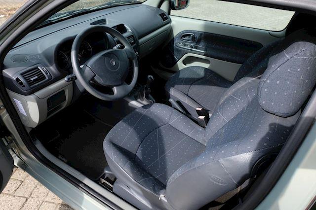 Renault Clio occasion - FLEVO Mobiel