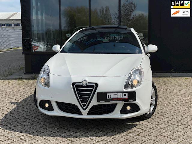Alfa Romeo Giulietta 1.4 T Distinctive*PANO*NAVI*170 PK*LED*
